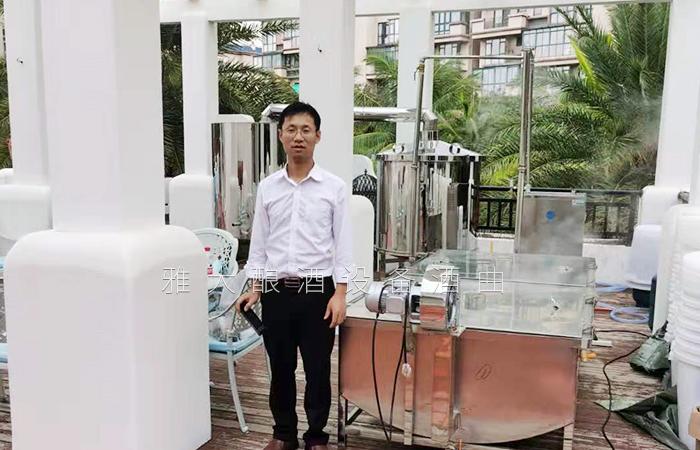 1.10雅大蒋总上门指导学员酿酒