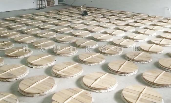 6.4干净整洁的发酵车间(地缸发酵)