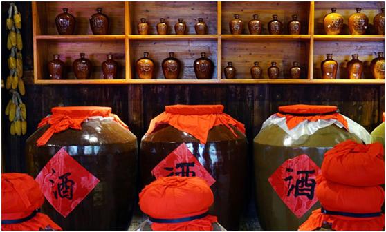8.31用小型酒厂酿酒设备精心酿制的纯粮酒