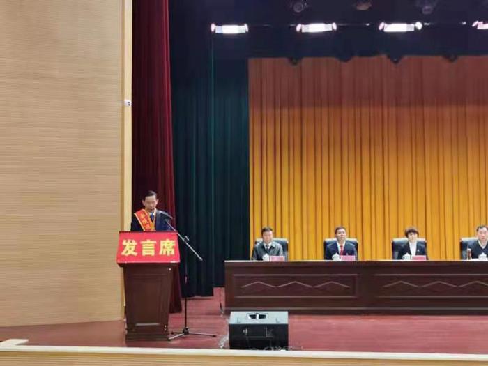 雅大董事长胡顺开区做劳模代表典型发言