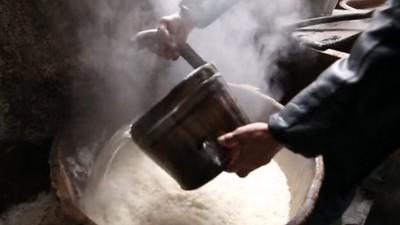用中型酿酒设备开酒坊,纯粮无添加是我们zui大的卖点!