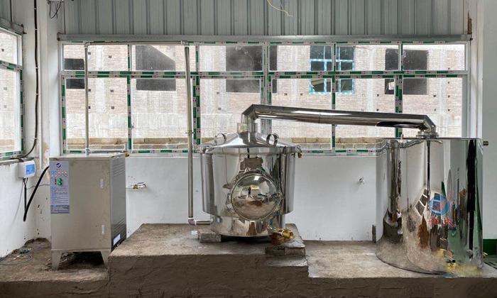 12.10-500斤电加热烤酒设备