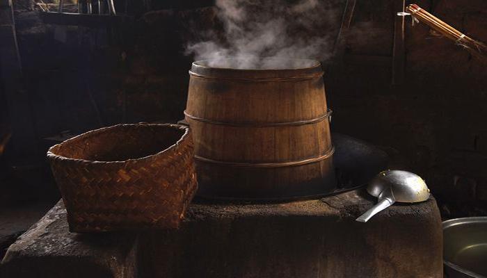 12.2木甑酿酒 一人生火,一人挑水