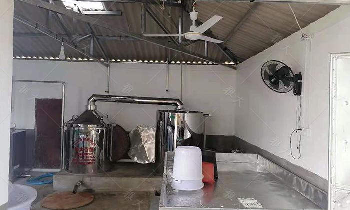 9.1200斤电加热白酒蒸馏设备
