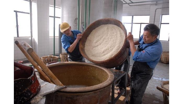 9.1古法大米酿酒艺术-大米浸泡