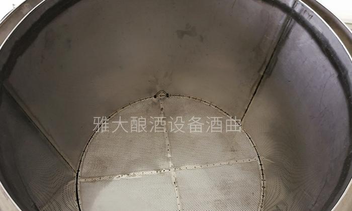 9.1雅大酿酒设备细节料桶