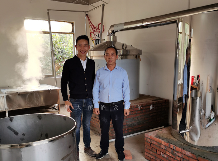 11.15魏老师指导发酵第一批大米酒2