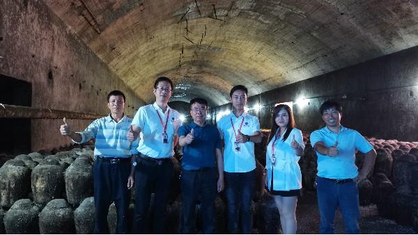 雅大大型酿酒设备技术团队带你探访湘派黄酒老酒厂