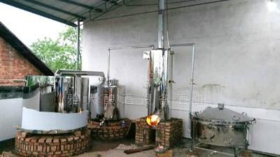 在农村开小型酒厂有钱途吗?小型酿酒设备靠谱吗?