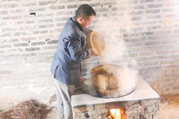12.26用木甑酿白酒设备蒸固态酒