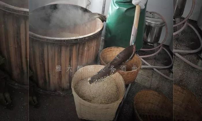 12.7用木甑酿大米酒
