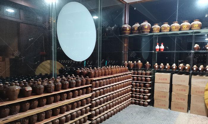 7.22河边米酒厂为大家准备了各种美酒