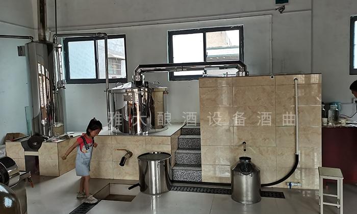 4.17白酒蒸馏设备酿造的纯粮酒