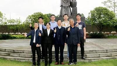 中国劲酒技术团队造访湖南雅大,探讨酒用杂交糯高粱酿造技艺!