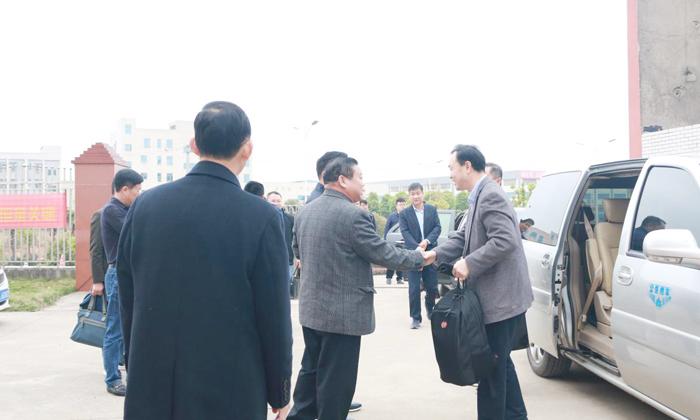 2雅大董事长胡顺开接待工作调研组专家及领导