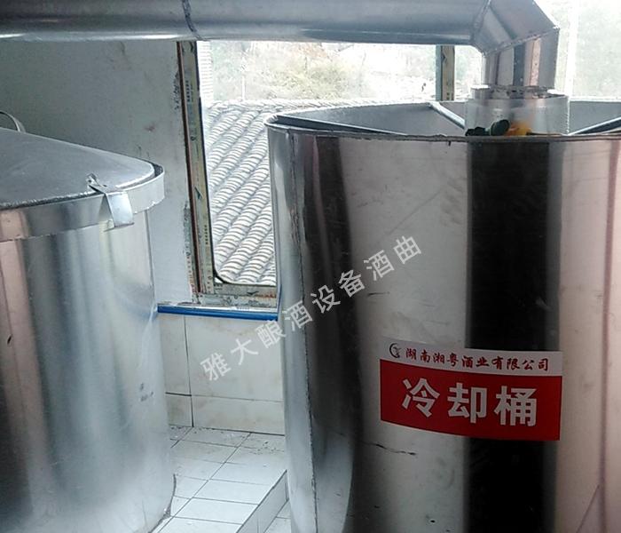 雅大酿酒机器安装