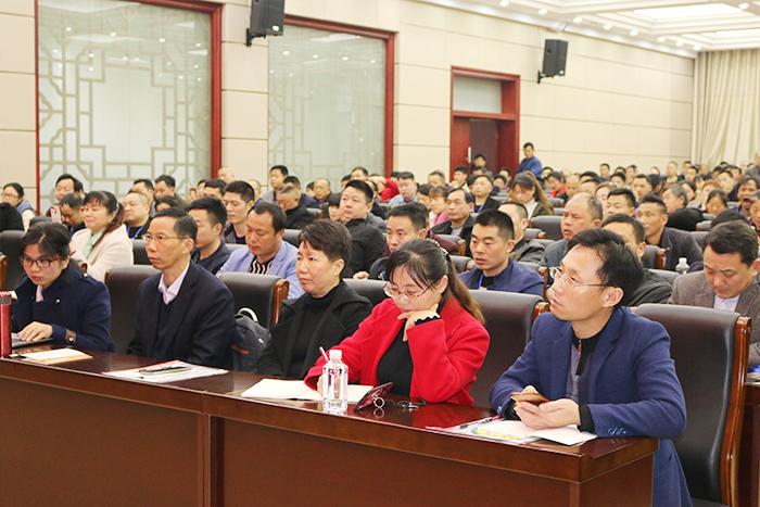胡顺开同志受邀带领技术团队为临湘市300多位酿酒从业人员培训