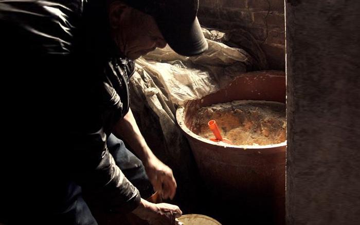 9.22番薯酒发酵中